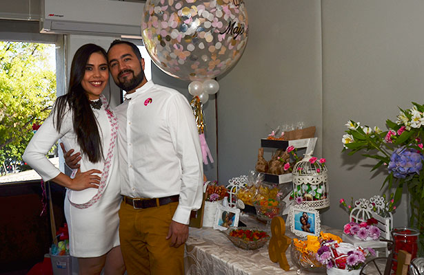 Fiesta prenupcial para María José Pacheco y Eduardo Escobedo