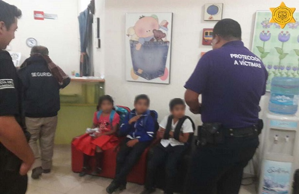 4 niños abandonados en las colonias Ciudad de Sol y Satélite