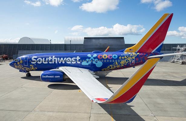 """Aeronave de Southwest Airlines luce logo y arte de la película """"Coco"""""""