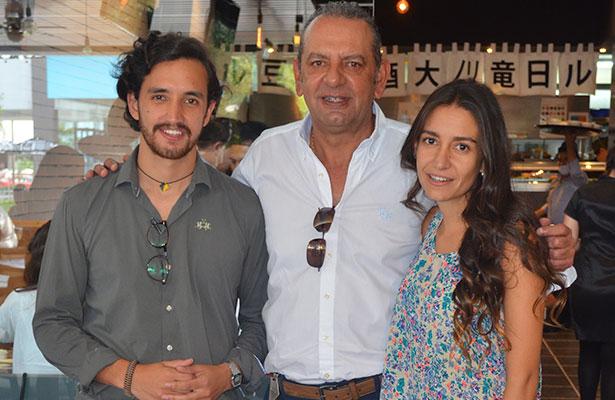 Familia Salgado Guerrero anfitriones de una tarde de comida oriental