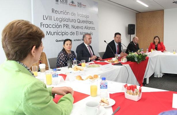 Mario Calzada presenta paquete de proyectos