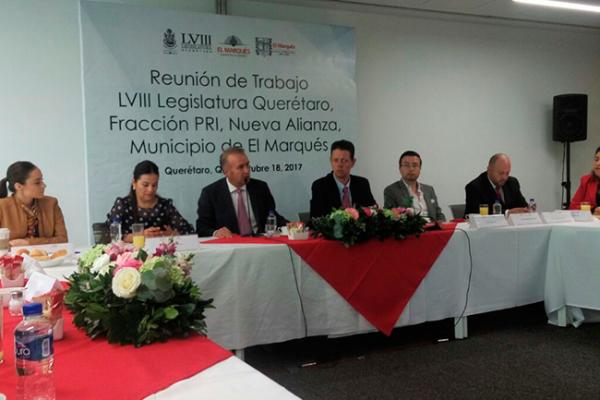 Diputados se reúnen con autoridades de El Marqués