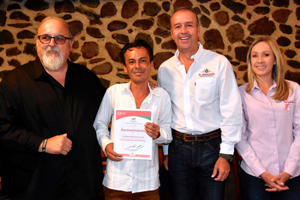 Reconoce Mario Calzada a trabajadores de Salud