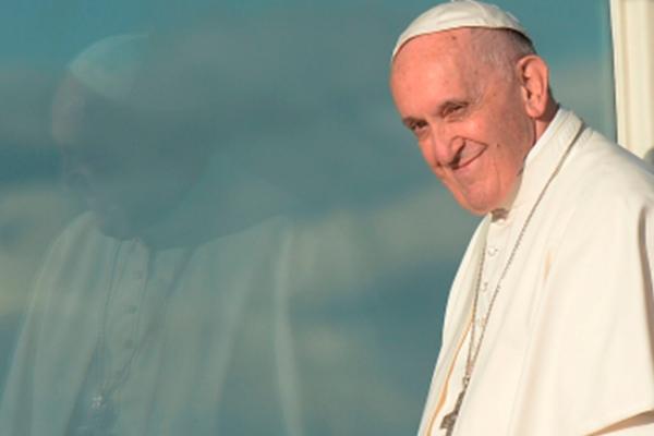 Papa lamenta asesinato de periodista maltesa que denunció corrupción