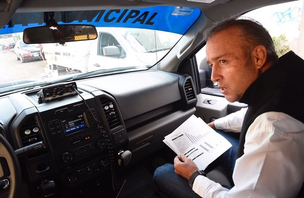 Mario Calzada va por más seguridad; supervisa módulos en El Marqués