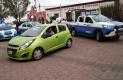 CINCO patrullas de la corporación policiaca de San Juan del Río rodearon el vehículo del fotógrafo Víctor Jiménez, que era conducido por su esposa sobre la avenida Benito Juárez, minutos después de haber sido detenido.