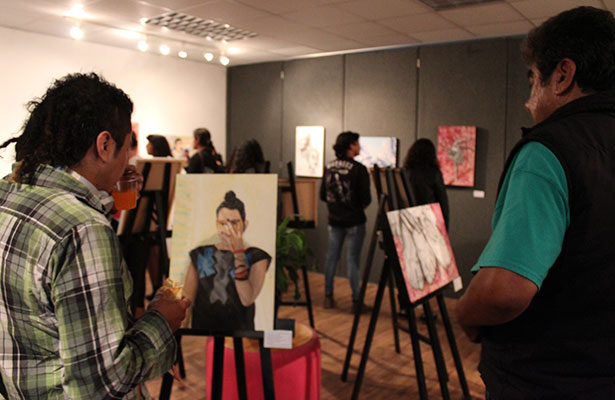 Jóvenes se expresan a través del arte