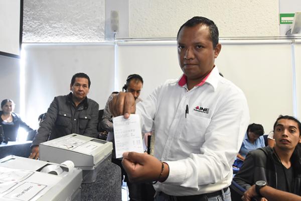 Abren fuego electoral en la UAQ