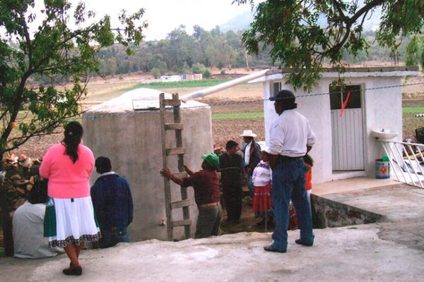 Impulsa creación de techos y cisternas a base de ferrocemento