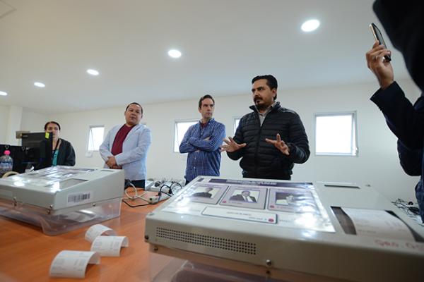 INE prestará 119 urnas electrónicas a la UAQ