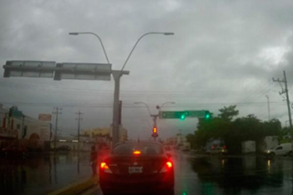 Lluvias de las últimas horas afectan zonas de capital potosina