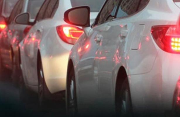 París planea que autos de gasolina dejen de circular en 2030