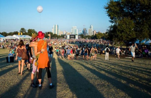 Festival musical en Texas devolverá entradas