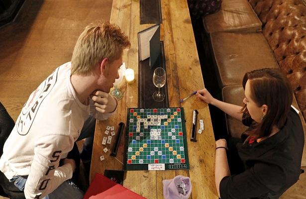 En Londres, un Scrabble erótico para unir parejas