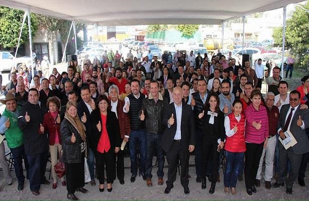 Ruiz toma protesta a delegados del PRI