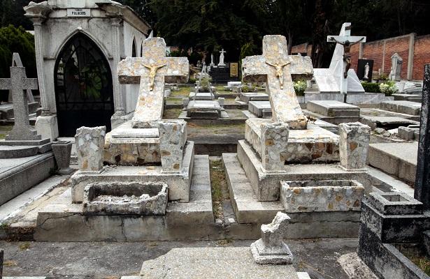 Panteón Jardín, entre el esplendor y el descuido