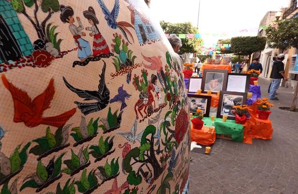 """En """"Tlacalaca Fest"""" se pueden apreciar 150 altares"""