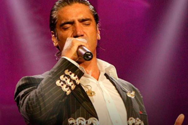 """Alejandro Fernández lanza versión deluxe de """"Rompiendo fronteras"""""""