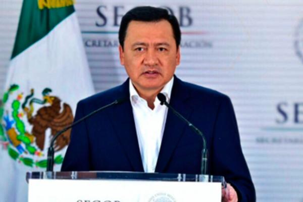 """Osorio Chong se congratula por arresto de """"El Tortillero"""""""