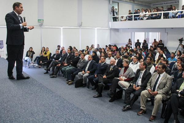 Comparte Rafael Moreno experiencias de su mandato