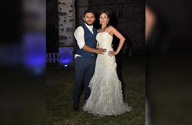 Ya son esposos Mariana Mancera y Roberto Moya