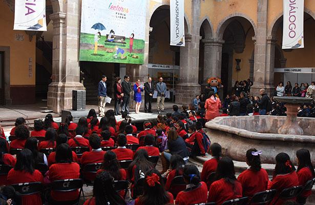 Inauguran el 3er Encuentro de Lectores y Feria del libro