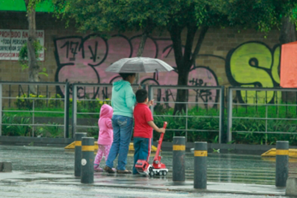 Lloviznas y descenso de temperatura en Nuevo León y Tamaulipas