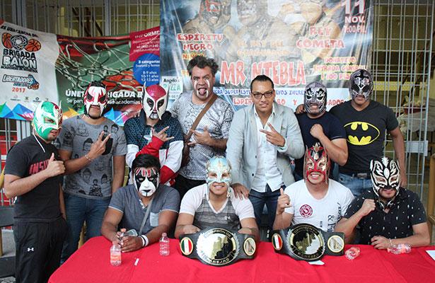 """Luchadores presentan el proyecto """"Lucha Libre Satélite"""""""