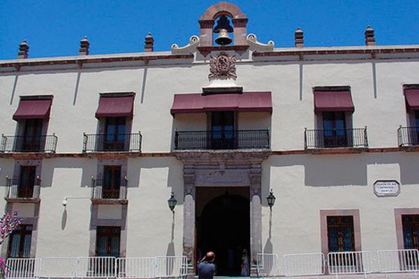 Pancho niega daños a fachada de Palacio