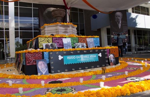 Conmemoran Día de Muertos en la UAQ