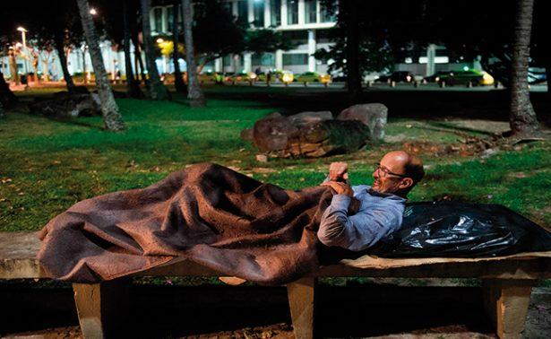 La crisis multiplica a personas sin hogar en Río