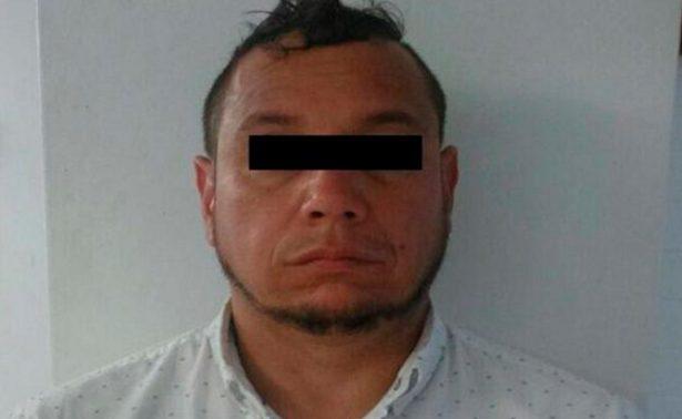 """Capturan a """"el 42"""", exagente y presunto líder criminal"""