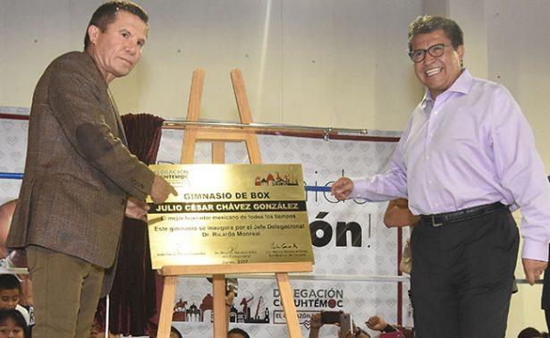 Julio César Chávez inauguró gimnasio con su nombre