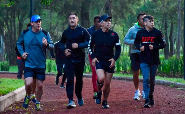 Brandon Moreno y Teco Quiñonez de la UFC hacen ejercicio con ¿Mancera?
