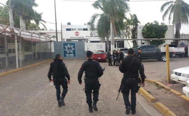"Cesan a funcionario de penal donde se fugó hijo de ""El Azul"""
