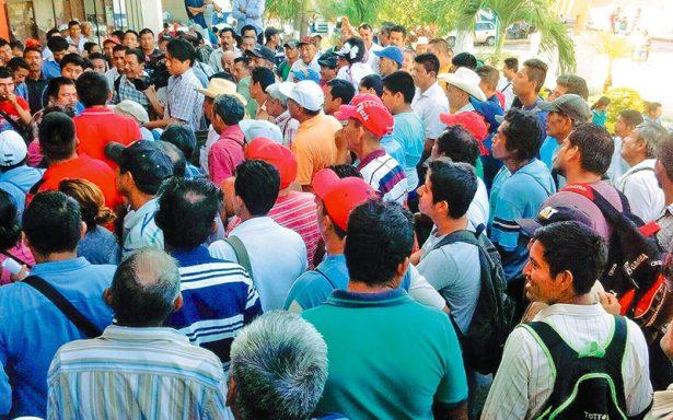 Campesinos bloquean centro de Tapachula