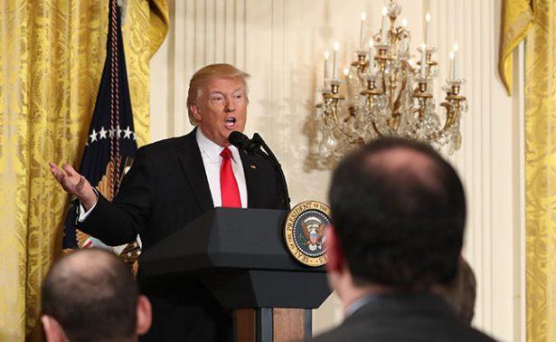En frases: los 77 minutos en los que Trump arremetió contra la prensa