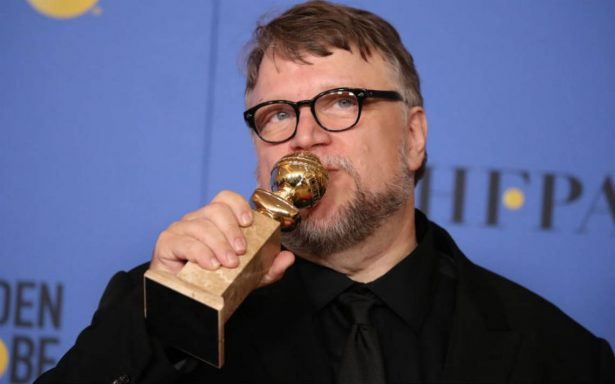 'Hermoso y tan genio', así felicitan a Guillermo del Toro por su Globo de Oro