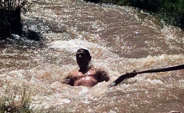 ¡Lo salvan de milagro! Casi se ahoga en el río Sacramento