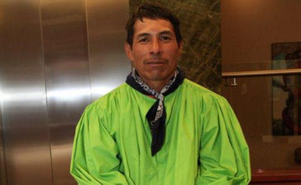 Indígena raramuri cambia los huaraches por tenis para ganar maratones