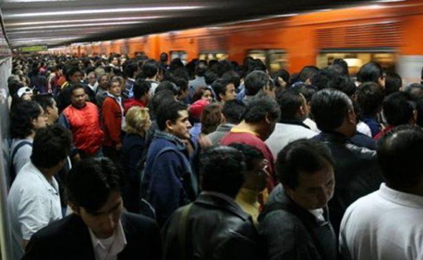 ¡Aguas! invaden plaga de ladrones de celulares en el Metro