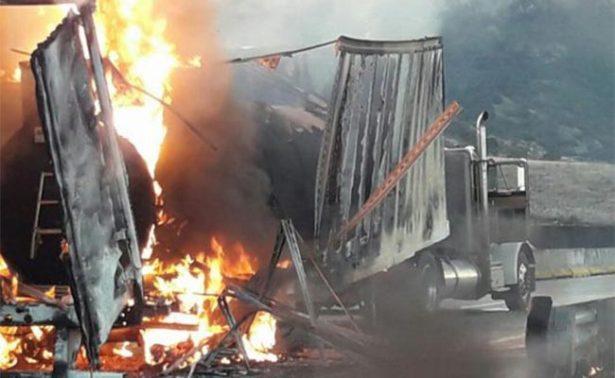 Se incendia tráiler con combustible en Zapopan