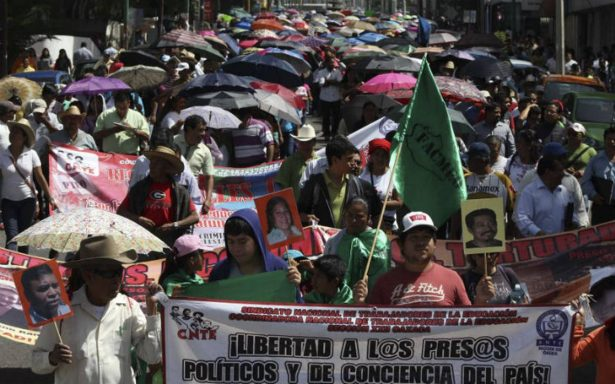 Murat va por regularización de marchas en Oaxaca