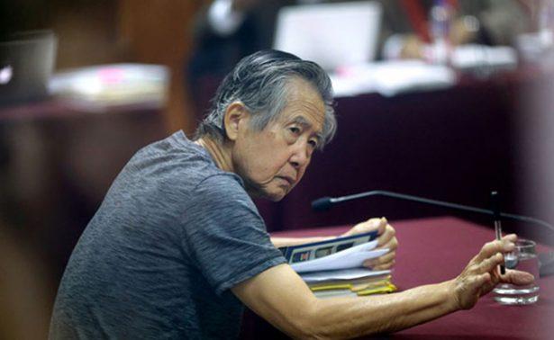 En silla de ruedas, regresa expresidente Fujimori a prisión en Perú