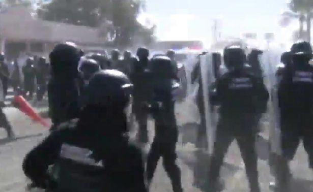 Se registra enfrentamiento entre policías y manifestantes