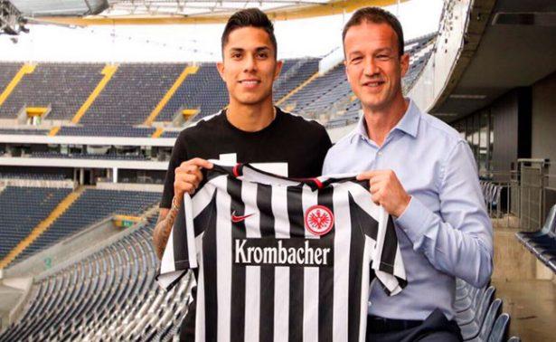 ¡Oficial! Carlos Salcedo, nuevo fichaje del Eintracht Frankfurt