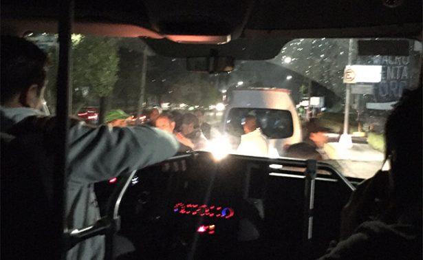 Transportistas del Edomex atentan contra camioneta de la app Jetty