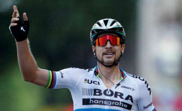Expulsan a Peter Sagan del Tour de Francia por dar codazo a Mark Cavendish