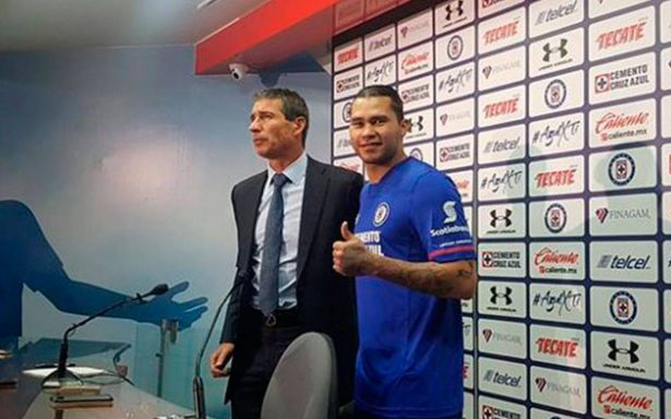 Ya he madurado, ESTO dijo 'Gullit' Peña en su presentación con Cruz Azul
