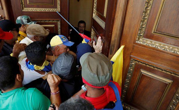 """Gobierno venezolano perpetra una """"guerra sucia"""" contra su pueblo, condena OEA"""